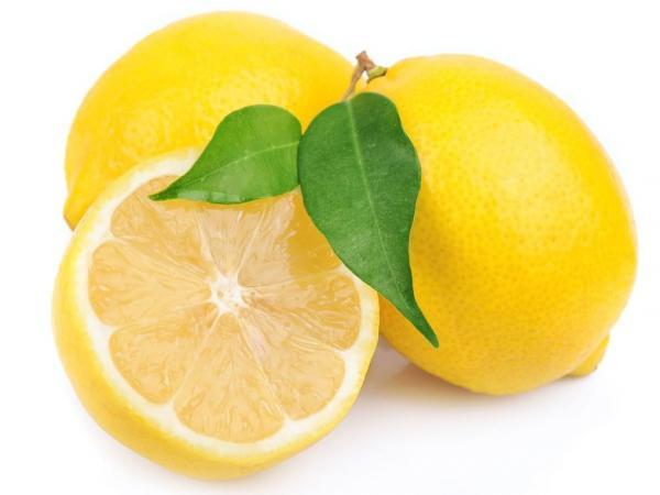 Mengatasi Rambut Kering Dengan Lemon