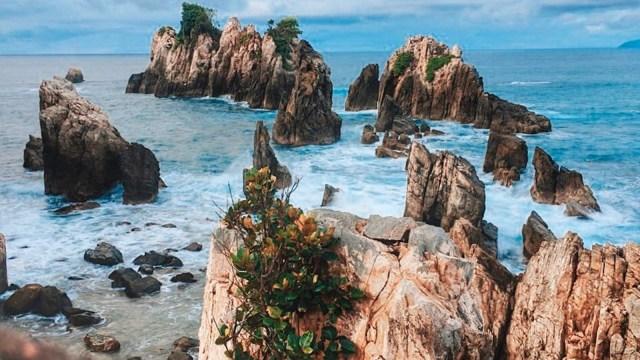 Keindahan Pantai Gigi Hiu yang Mempesona