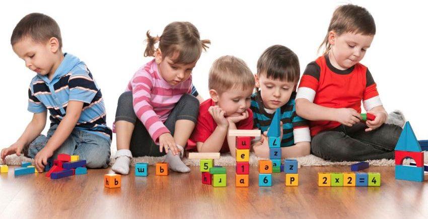 Rekomendasi Asupan Nutrisi Sesuai Tahap Perkembangan Anak